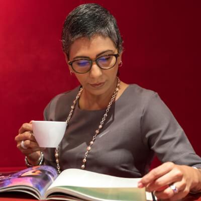lady wearing eye glasses in tulsa